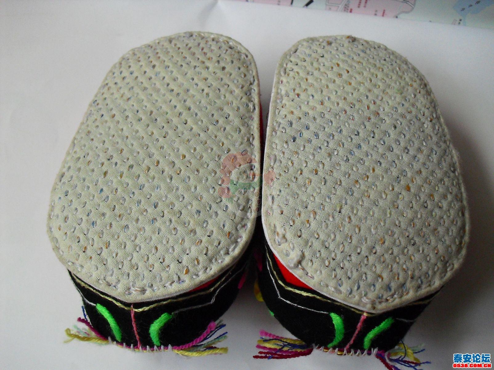 手工做的老虎鞋 有图片 ,有需要的吗
