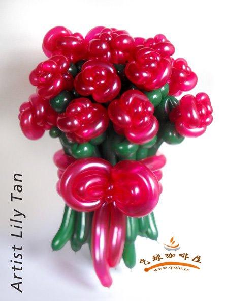 长气球玫瑰花造型分解步骤