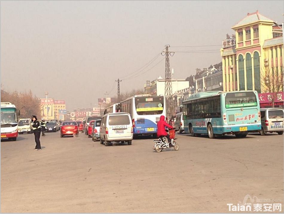 灵山大街_灵山大街与龙潭路口,为什么堵车这么严重?