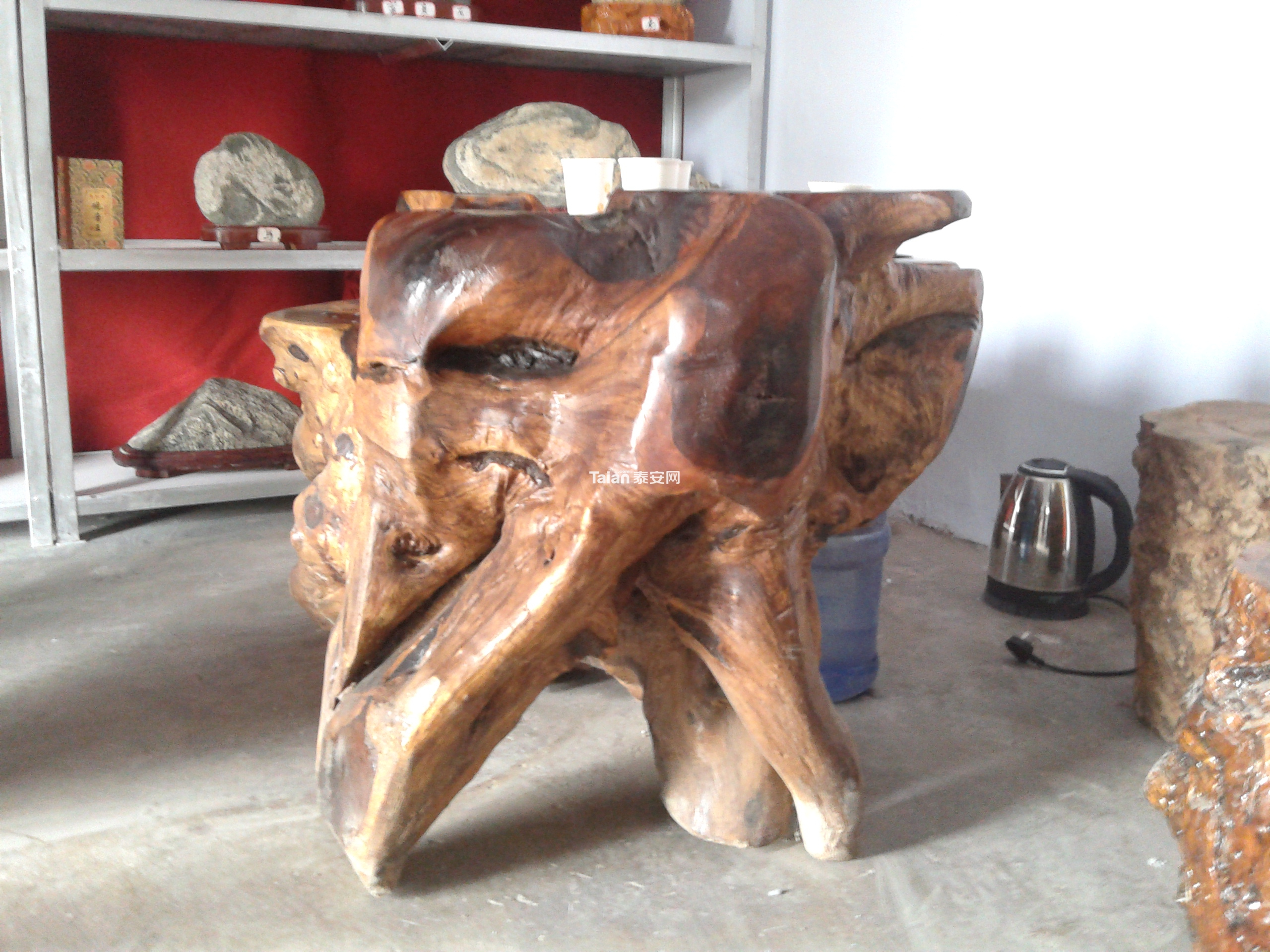 转让鸡翅木材质的茶台一个!