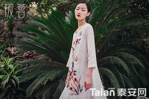 袯荟bohui刺绣长裙
