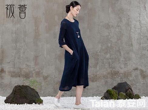 5袯荟bohui靓服刺绣女装诠释中式复古的概念.jpg