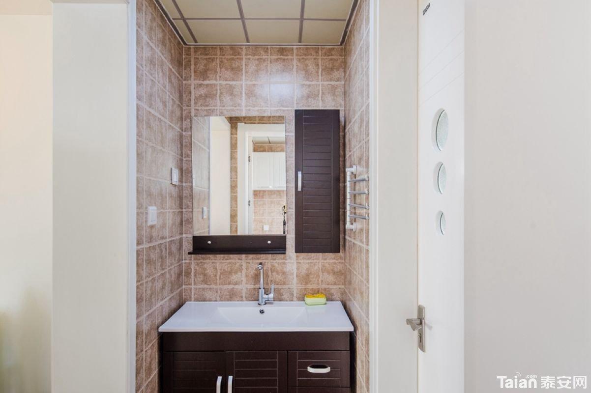 23浴室柜横拍.jpg