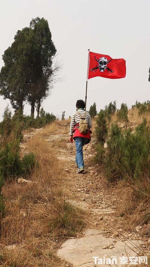 海盗进山寨-1.JPG
