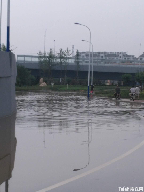 每次下雨后积水严重