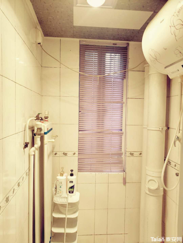 卫生间淋浴区.jpg