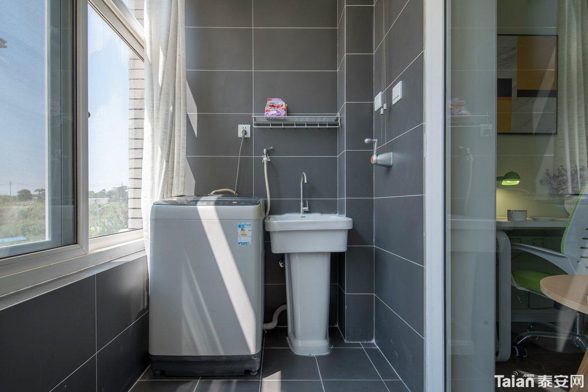 10阳台洗衣机.jpg