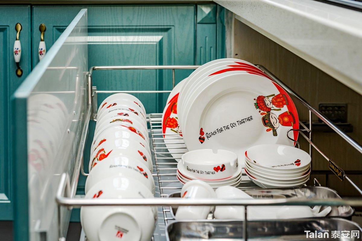 22厨房碗篮.jpg