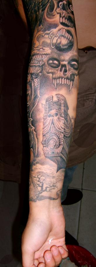 欧美男手臂纹身
